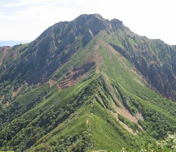 八ヶ岳:赤岳(2,899m)、阿弥陀岳(2,805m)